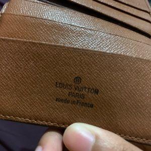 Louis Vuitton wallet pre-owned